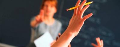 Hacienda multa con 23.000 euros a una jubilada por dar clases